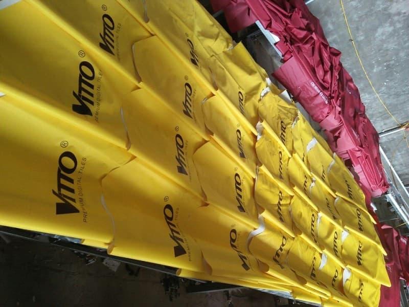 Áo mưa vải dù in logo khách hàng Vitto