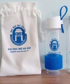Bình thủy tinh in logo Đại học Mở Hà Nội